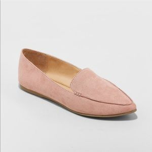 Adorable blush loafers size 7